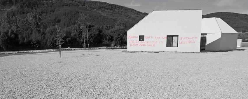 Vandalismo en las obras de Cursos Medios del Irati