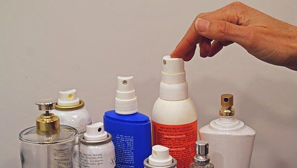 Los restos de cosméticos deberían terminar en un punto limpio