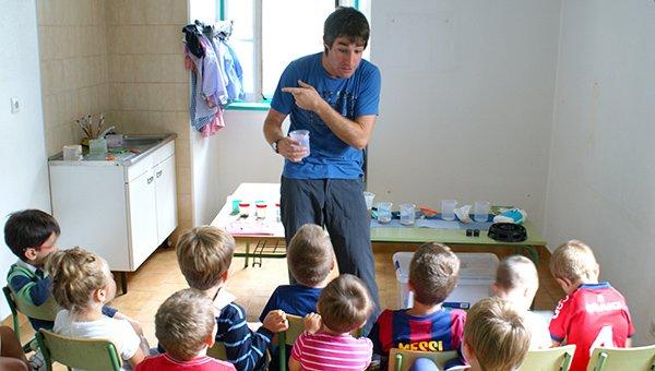 Las actividades de verano en ludotecas ofrecen consejos de buenas prácticas desde los tres años