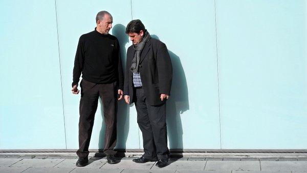 Urrizalki (izquierda) conversa con Sola (derecha)